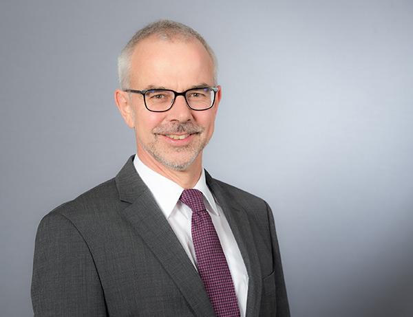 Dr. Matthias BECK